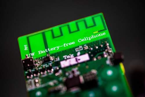 Componentele telefonului mobil fără baterie