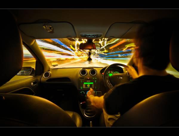Nu putem calatori mai repede ca lumina