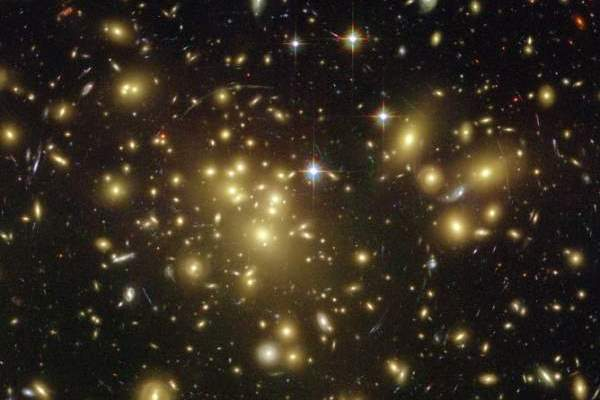 Efectul gravitational al materiei întunecate