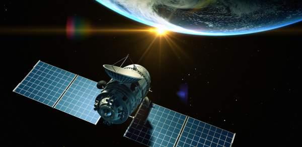 O cursă spațială pentru un acces global la Internet