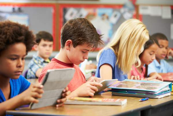 Utilizarea tabletelor în școli