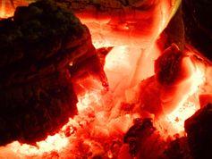 Radiația corpului negru de la cărbuni aprinși în foc