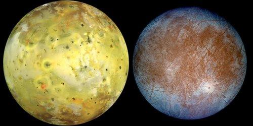Sateliții Io și Europa