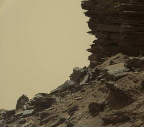 Deal cu roci stratificate din regiunea Murray Buttes
