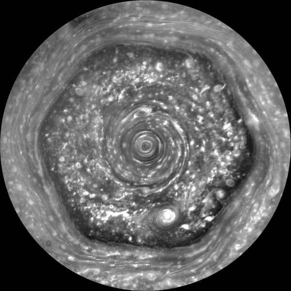 Hexagonul de pe Saturn