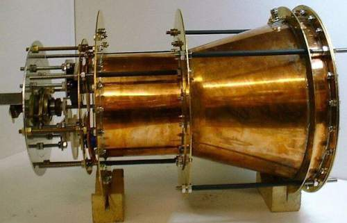 Prototipul unui propulsor EM Drive