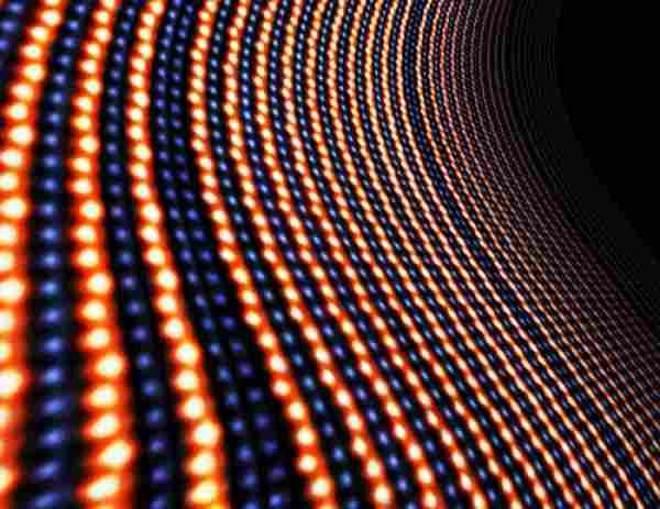 Material multiferoic magnetoelectric