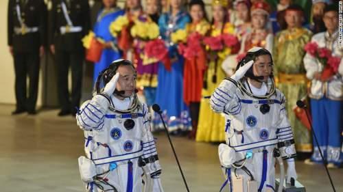 Astronauți chinezi