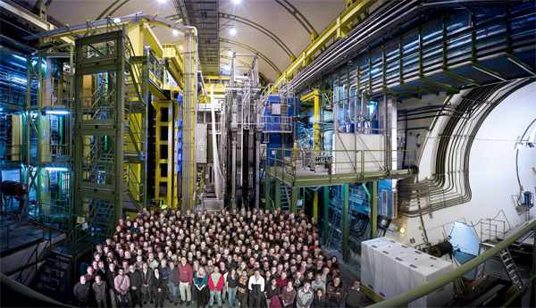 Colaborarea LHCb