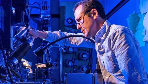 Stocarea datelor in atomi
