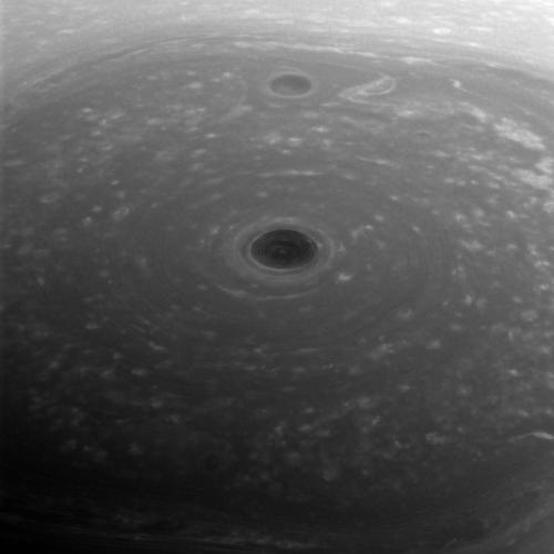 Polul N al planetei Saturn