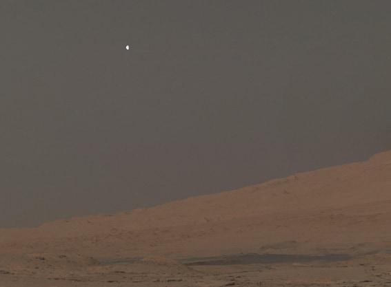 Phobos văzut de pe Marte