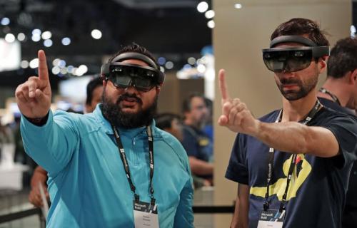 Sistemul de realitate augmentată Microsoft HoloLens