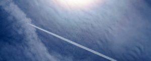 Avioanele nu lasă dâre chimice (chemtrails), dar cresc nivelul de precipitaţii