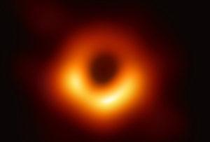 Orizontul evenimentelor unei găuri negre într-o imagine obţinută în premieră de telescopul Horizon Event