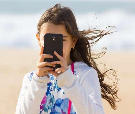 Copilul tău este pregătit pentru a avea telefon mobil