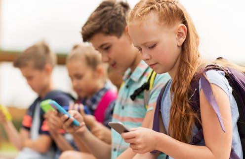 Vârsta potrivită a unui copil pentru a primi un smartphone